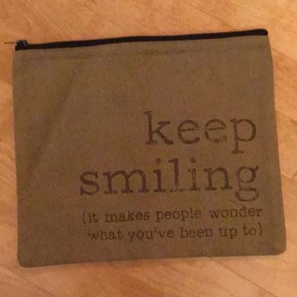 unknown Handbags - Cute storage pouch